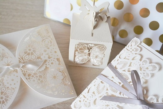 Papierschachtel mit Muster